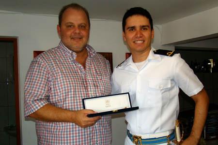 Tuca homenageia formando da Escola Naval - Prefeitura de
