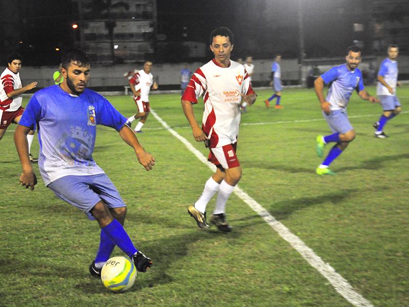 Os times do Esporte e da Câmara Municipal estão na final do Campeonato de  Futebol da Prefeitura de Angra. Ontem (24) à noite bd5be2ef86e73