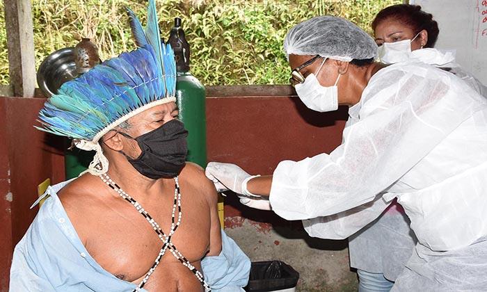Índios da aldeia Sapukai são vacinados contra a Covid